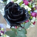 Меловая краска подходит для декора цветов)